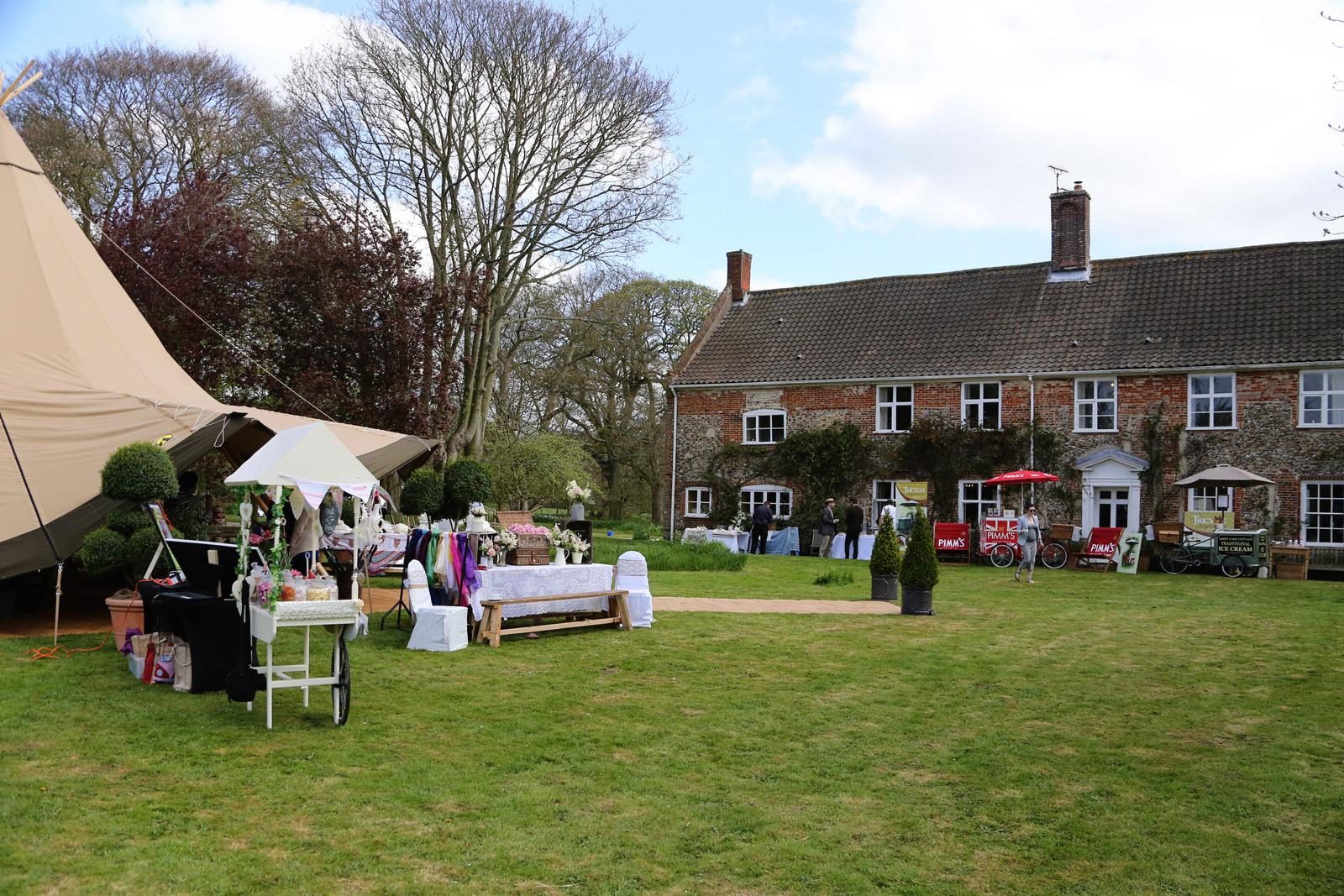 College Farm wedding show